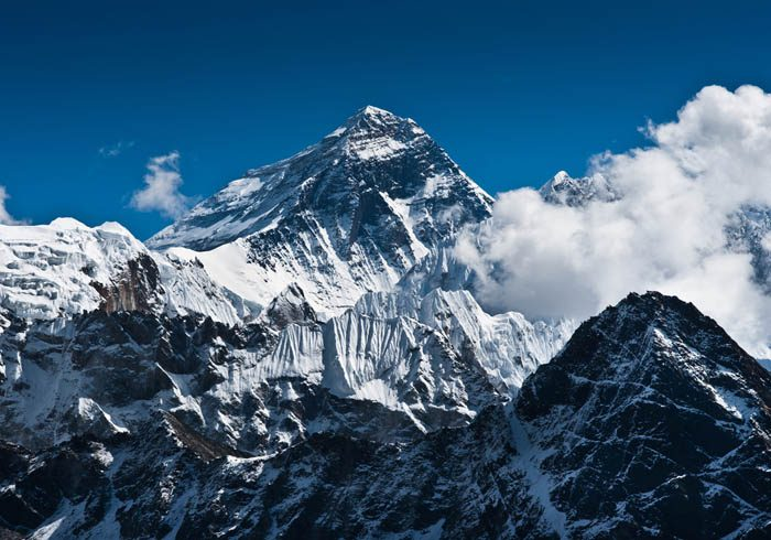 Everest-Mountain-Peak-the-top-of-the-world-8848-m